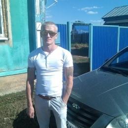 Пара из Москвы. Ищем девушку для секса и разврата втроем