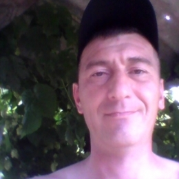 Парень ищет девушку в Краснодаре для секса без обязательств