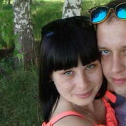 Пара МЖ из Москвы ищет девушку или пару МЖ