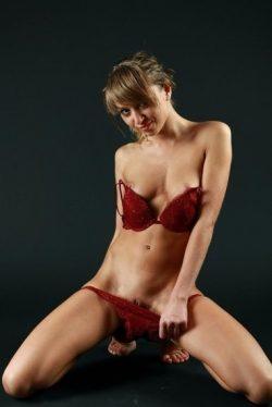 Приятная женщина познакомится с мужчиной для секса в Краснодаре
