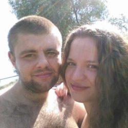 Молодая пара ищет девушку в Краснодаре для свиданий